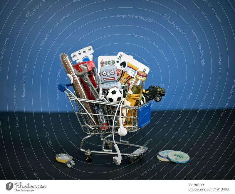 Typisch Mann schön Erwachsene Sport Stil Spielen Lebensmittel Freizeit & Hobby maskulin Erfolg kaufen Fußball Getränk Karriere Fernsehen