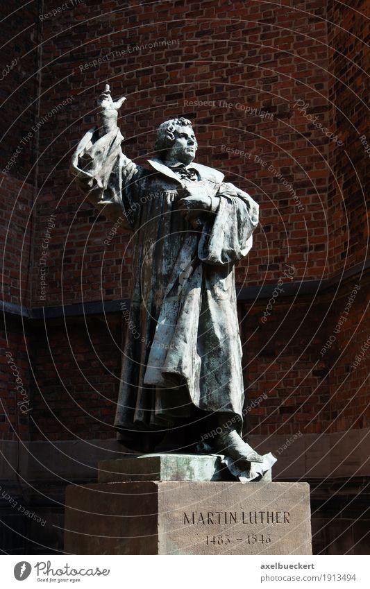 Martin Luther Architektur Religion & Glaube Deutschland Kirche historisch Denkmal Statue Skulptur Orientierung Christentum Starruhm Geistlicher Hannover
