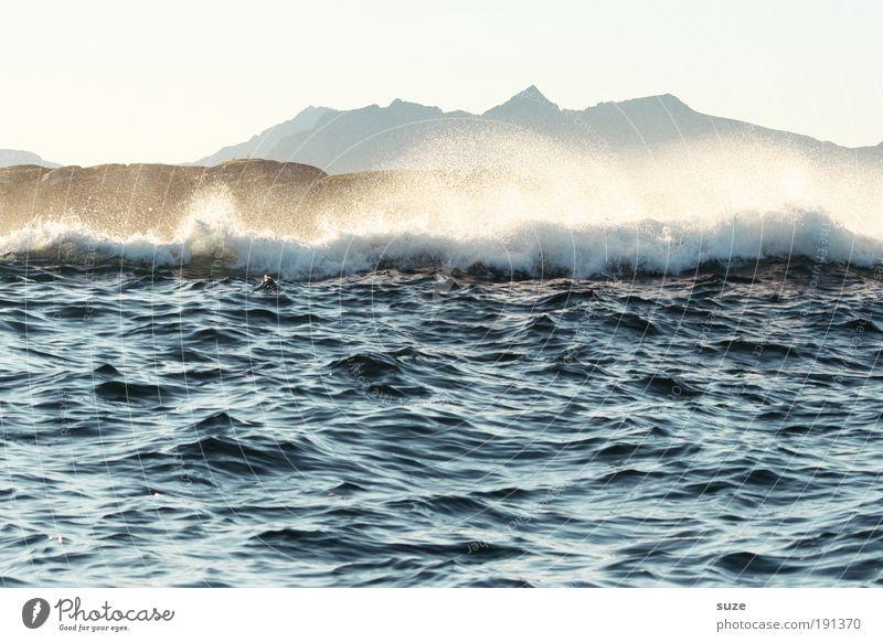Lofoten Natur Wasser weiß blau Strand Ferien & Urlaub & Reisen Meer Berge u. Gebirge träumen Küste Wellen Angst Wind Hintergrundbild Europa wild