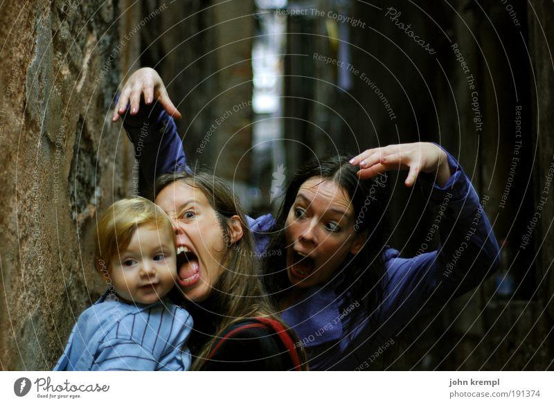200 | drama queens Mensch Kind Freude Erwachsene dunkel Eltern Familie & Verwandtschaft lustig maskulin außergewöhnlich verrückt Coolness Mutter bedrohlich