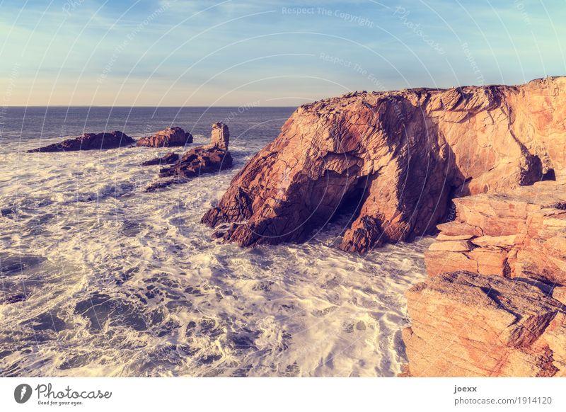Wieviele Geheimnisse Himmel Natur blau Wasser weiß Meer natürlich Küste braun Felsen Horizont Wellen groß Schönes Wetter maritim