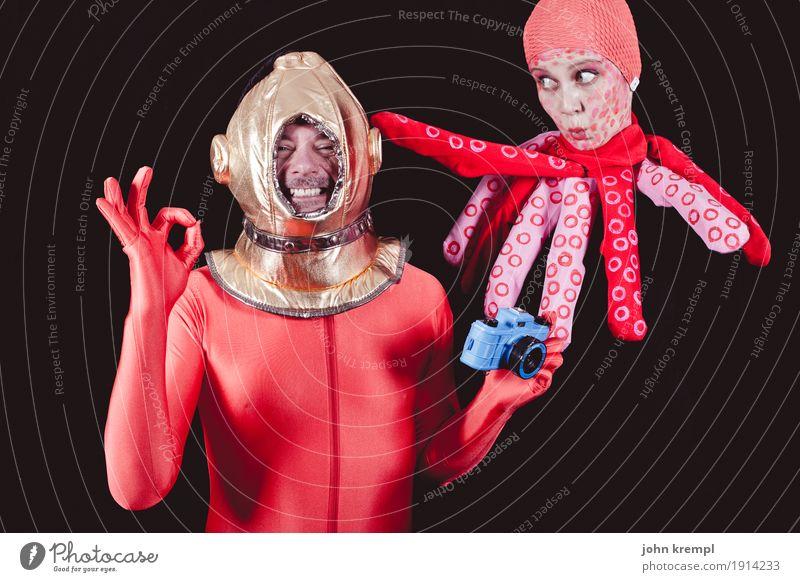 600 | Taucht mir Mensch Meer Tier Freude Erwachsene lachen Glück Paar Zusammensein verrückt Fröhlichkeit Fotografie Romantik Coolness Neugier trendy