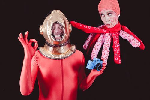 600   Taucht mir Taucher Paar Partner 2 Mensch 30-45 Jahre Erwachsene Riff Meer Octopus Kraken 1 Tier Tauchgerät Taucherbrille Fotokamera Fotografie lachen