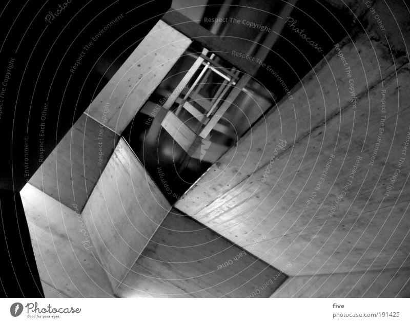 im kellergeschoss Haus Bauwerk Gebäude Architektur Mauer Wand Treppe eckig kalt Beton Betonwand Betonmauer Schwarzweißfoto Innenaufnahme Reflexion & Spiegelung