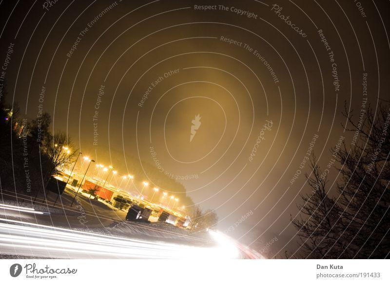 Full Power! Baum Winter Schneefall PKW Stimmung Kraft Nebel Energie Geschwindigkeit Lastwagen Autobahn leuchten Laterne Sonnenenergie brennen Handel