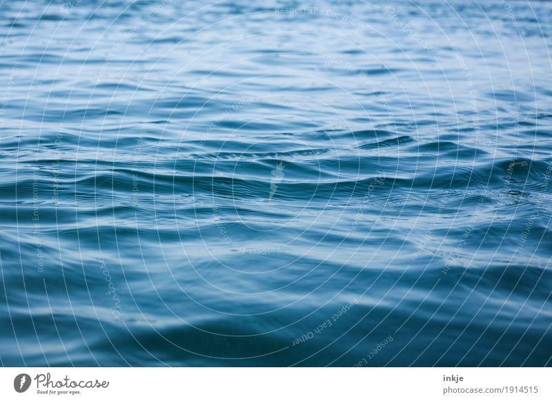 le grand bleu blau Wasser Meer Wellen tief Nordsee Wasseroberfläche Glätte Meerestiefe Oberflächenstruktur Meeresstimmung