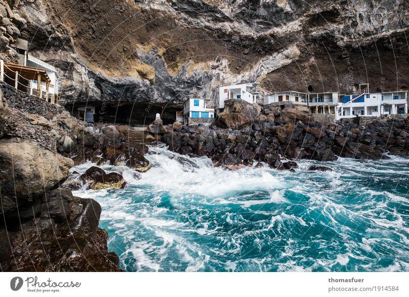 Felsen, Wasser, Häuser Ferien & Urlaub & Reisen Tourismus Abenteuer Ferne Strand Meer Wellen Küste Bucht Fischerdorf Gebäude Hütte Romantik gefährlich