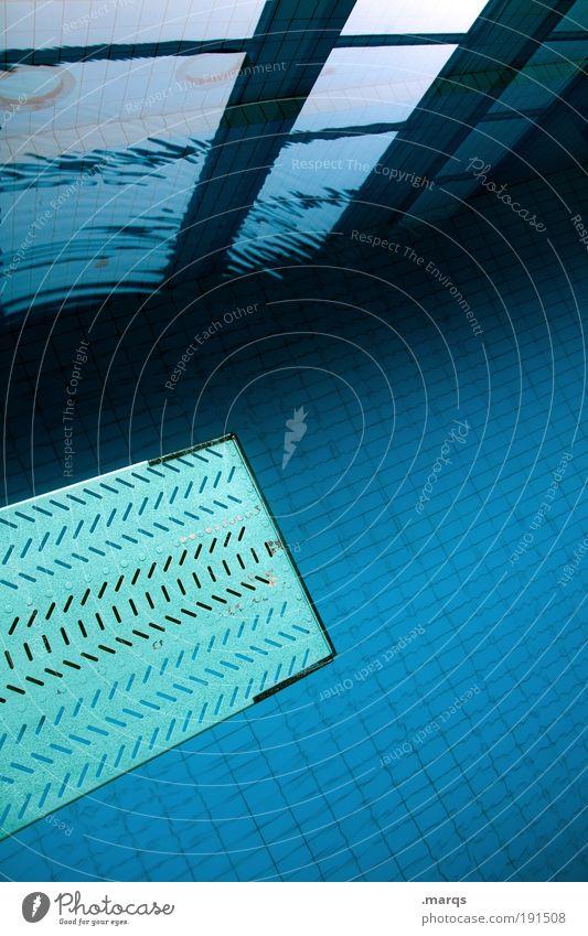 Einser blau Freude Erholung Fenster kalt Sport springen Stil Freizeit & Hobby elegant Ausflug Design Erfolg Lifestyle Sauberkeit Schwimmbad