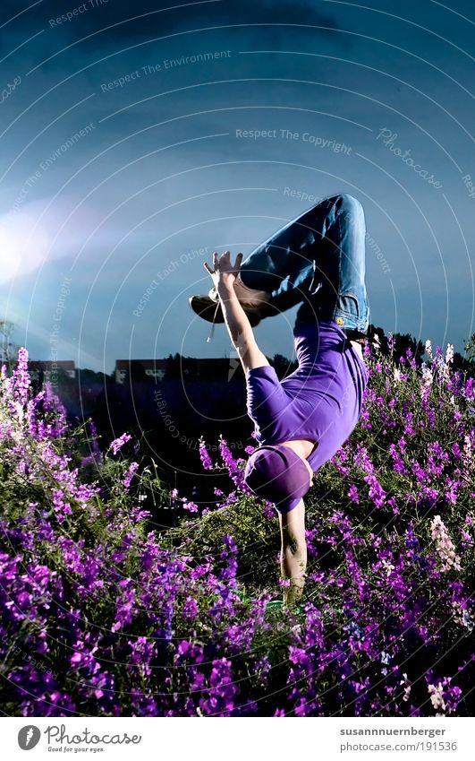 PURPLE Mensch Jugendliche Sommer Blume Freude Erwachsene Tänzer springen Stil Mode Tanzen Freizeit & Hobby Pflanze maskulin Farbfoto Lifestyle