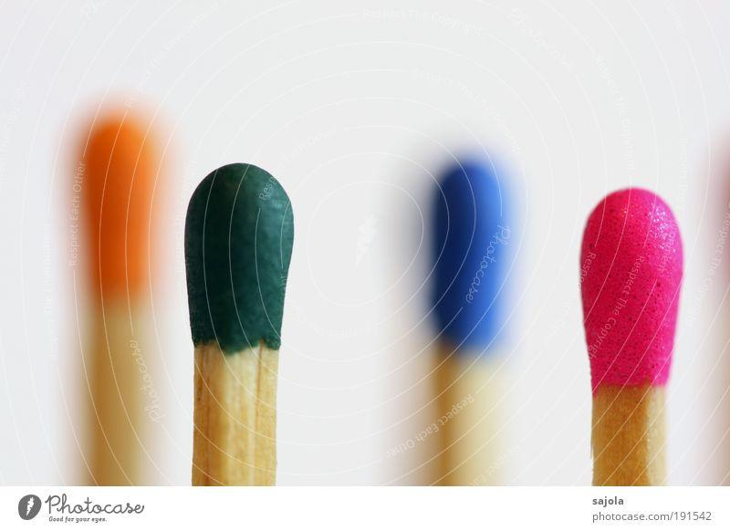 farbenfroh grün blau Holz orange rosa Ordnung Richtung Makroaufnahme mehrfarbig Reihe Mischung Verschiedenheit Streichholz vertikal