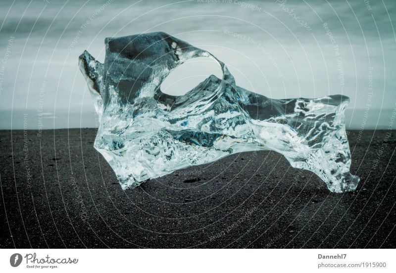 Eis am Strand Natur blau Wasser Landschaft schwarz Umwelt kalt Sand liegen Speiseeis kaputt Coolness Skulptur frieren