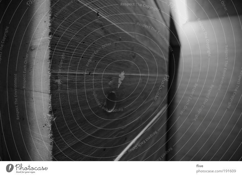 um die ecke Haus Bauwerk Gebäude Architektur Mauer Wand Treppenhaus dunkel eckig hell kalt grau Beton Betonwand Hauseingang Ecke Schwarzweißfoto Innenaufnahme