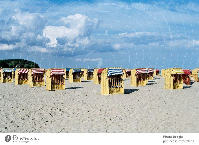 Saisonende Meer Strand Einsamkeit See leer Europa Ende Ostsee Strandkorb Finale
