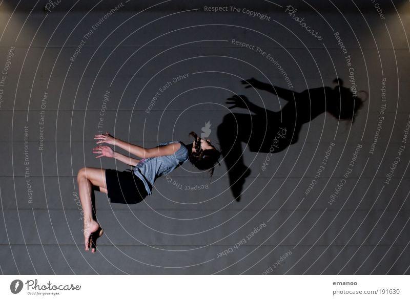 synchron Freizeit & Hobby Sport Sportler feminin Junge Frau Jugendliche Zopf drehen fliegen springen ästhetisch sportlich dünn Freude diszipliniert Ausdauer