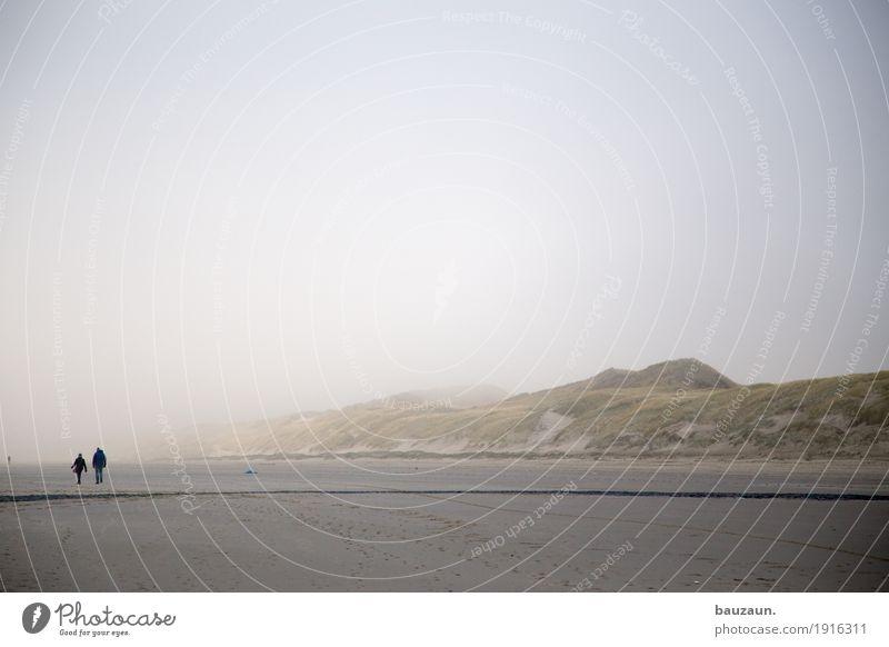 weniger. Gesundheit Wellness Wohlgefühl Zufriedenheit Erholung ruhig Ferien & Urlaub & Reisen Tourismus Ausflug Ferne Freiheit Strand Meer Insel Mensch Paar