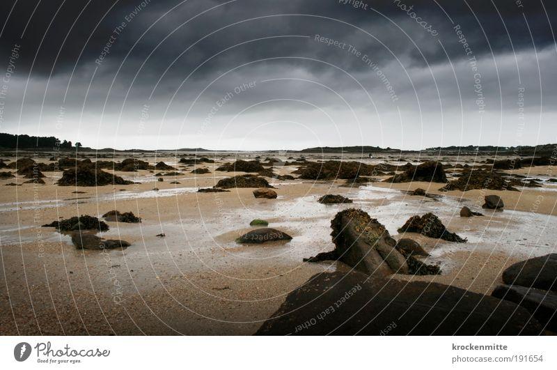 forbidden planet Himmel Strand Ferien & Urlaub & Reisen Wolken Einsamkeit dunkel Stein Paar Sand Landschaft Küste Wetter Horizont Felsen Spaziergang bedrohlich