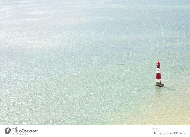 Fernwehträume Ferien & Urlaub & Reisen blau Sommer weiß rot Einsamkeit Ferne Strand Küste Wellen Abenteuer historisch Kitsch Bucht Wahrzeichen Denkmal