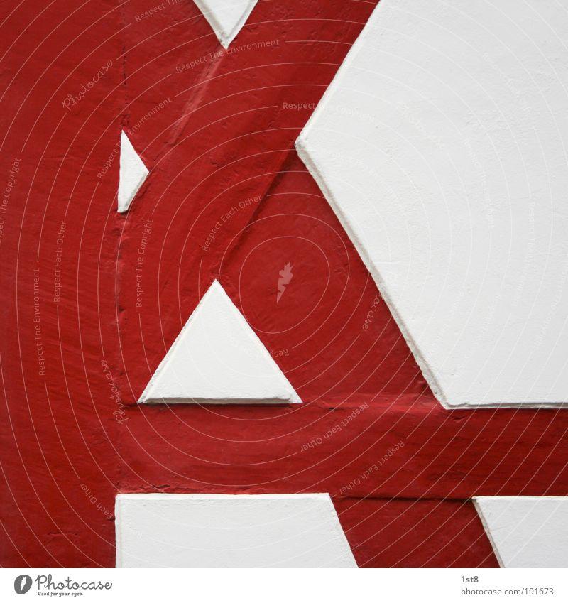 vom Fach alt weiß rot Haus Farbe Holz Architektur Sand Stein Gebäude elegant Streifen Häusliches Leben Fahne Bauwerk Idylle