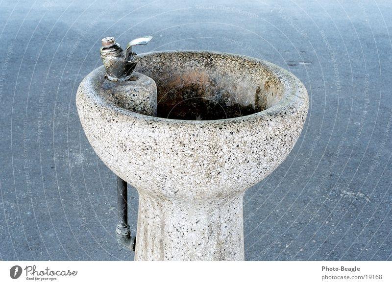 Trinkbrunnen Wasser springen Stein Verkehr Trinkwasser Getränk Brunnen Lebensmittel