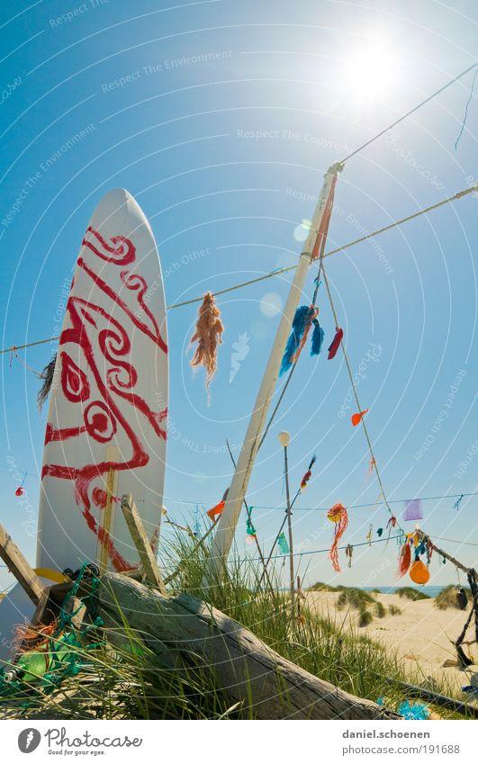 California dreaming Ferien & Urlaub & Reisen Tourismus Sommer Sommerurlaub Sonne Sonnenbad Strand Meer Insel skurril Surfen Surfbrett Licht Schatten Sonnenlicht