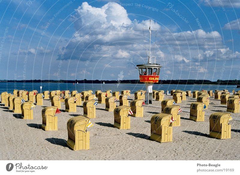 Urlaub-07 Strandkorb Meer Wachturm Ferien & Urlaub & Reisen Europa Ostsee Wasser sea seaside ocean wave waves beach chair beach chairs holiday holidays vacation