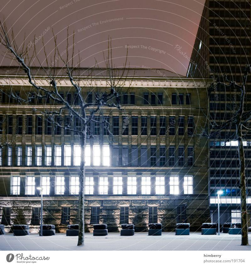 uploading Dienstleistungsgewerbe Medienbranche Handwerk Baustelle Energiewirtschaft Umwelt Winter Klima Wetter Eis Frost Schnee Düsseldorf Stadt Haus Hochhaus