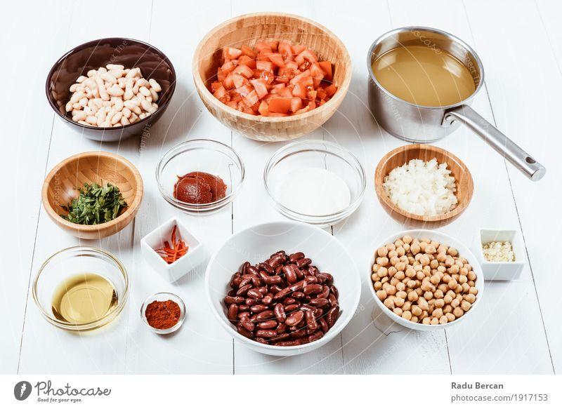 Frische Lebensmittelzutaten auf weißem hölzernem Küchentisch Farbe grün rot Speise Essen Gesundheit Holz Ernährung frisch Tisch rund Kräuter & Gewürze