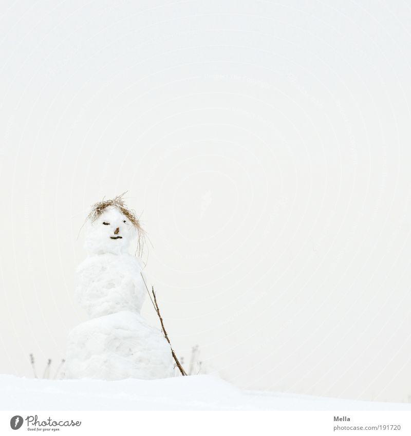 Frau Schnee Freizeit & Hobby Spielen Schneemann Winter Winterurlaub Kunst Skulptur Umwelt Natur Landschaft Himmel Klima Klimawandel Wetter Eis Frost stehen hell