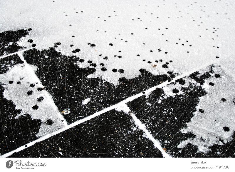 kleiner klimawandel Winter Straße kalt Schnee Wege & Pfade Stein Traurigkeit Regen Wetter Eis nass Wassertropfen Klima Wandel & Veränderung Kreis Frost
