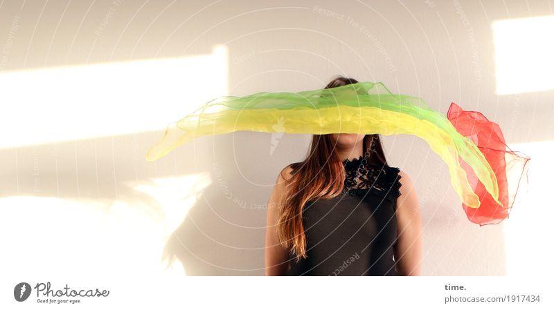 . Mensch Frau schön Erwachsene Leben Bewegung feminin außergewöhnlich fliegen Raum Kreativität warten Geschwindigkeit beobachten Coolness Schutz