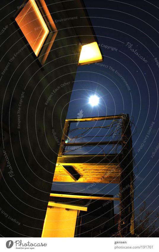 Sunnight Himmel blau schwarz gelb kalt Wärme Garten Fassade Stern Romantik Warmherzigkeit Schutz Sehnsucht Frieden Dorf Vertrauen