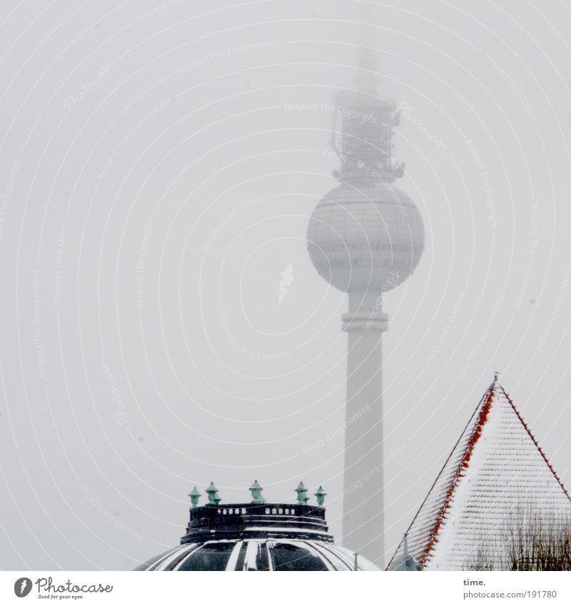 Maskottchen mit Beifang Winter Haus Schnee Berlin Architektur Nebel Technik & Technologie Kommunizieren rund Dach Telekommunikation Turm Häusliches Leben Spitze