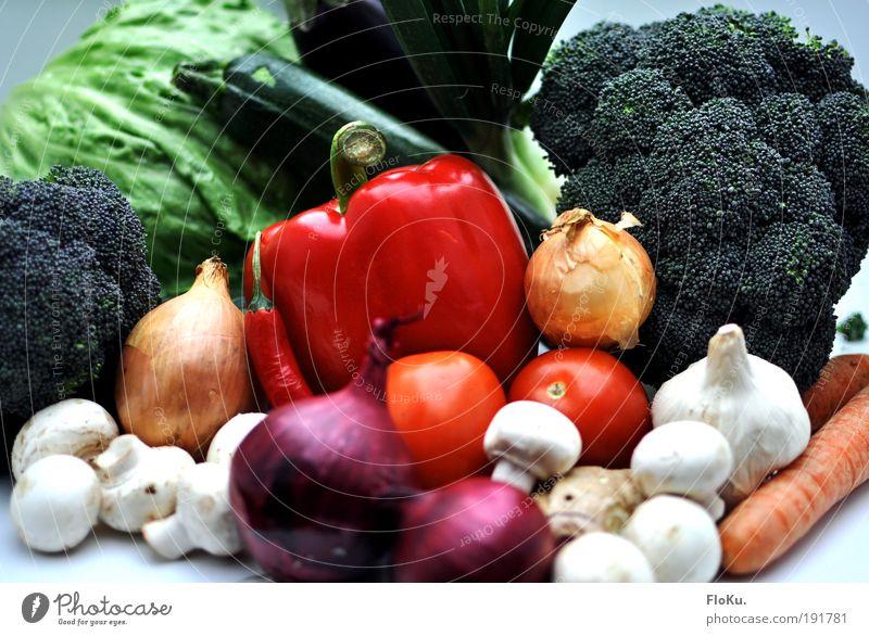 Das Beste vom Bauern III grün weiß rot Lebensmittel frisch Ernährung Gesunde Ernährung Landwirtschaft Gemüse Ernte lecker Stillleben Bioprodukte Markt Pilz Diät