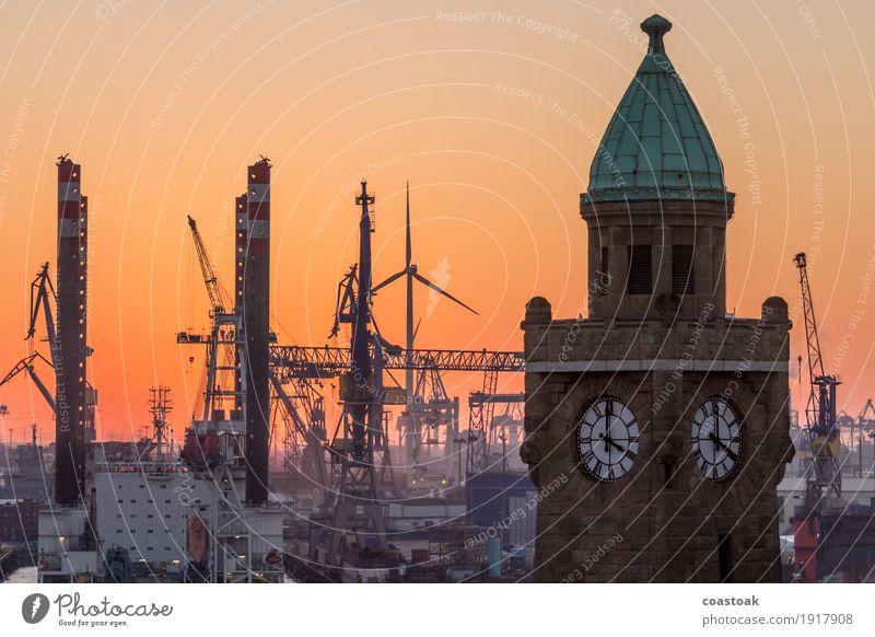 Pegelstandsanzeiger Landungsbrücken Himmel Winter Fluss Hamburg Hafenstadt Industrieanlage Fabrik Sehenswürdigkeit Schifffahrt gelb orange Romantik Farbfoto