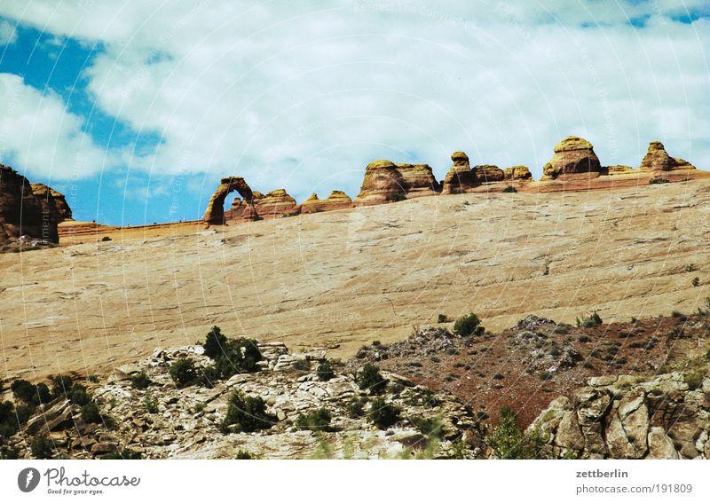 Amerika Himmel Natur Ferien & Urlaub & Reisen Ferne Stein Wege & Pfade Felsen USA Wüste Reisefotografie Berge u. Gebirge Fußweg Stars and Stripes Schlucht
