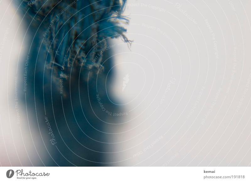 Ausgefranst Seil fadenförmig Faden Strickleiter Franse blau weiß fransen Zerreißen gezwirbelt türkis Faden verlieren Lensbaby Farbfoto Außenaufnahme Nahaufnahme