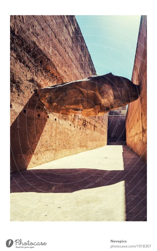 El Badi Palace - Marrakech - Morocco Ferien & Urlaub & Reisen Sightseeing Architektur Sehenswürdigkeit Stein groß blau rot gefährlich Stillleben sehenswert