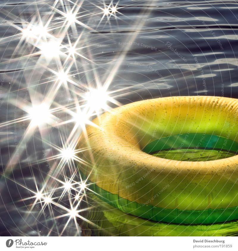 Summerfeeling Ferien & Urlaub & Reisen schön Sommer Meer Erholung gelb Leben Schwimmen & Baden Wellen glänzend Insel Stern (Symbol) Schönes Wetter Im Wasser treiben Sommerurlaub silber