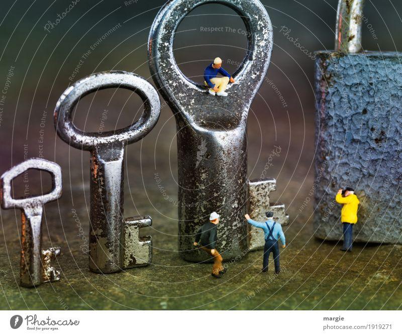 Miniwelten - der ist der Richtige! Arbeit & Erwerbstätigkeit Beruf Handwerker Arbeitsplatz Mensch maskulin Mann Erwachsene 4 gelb silber Kommunizieren