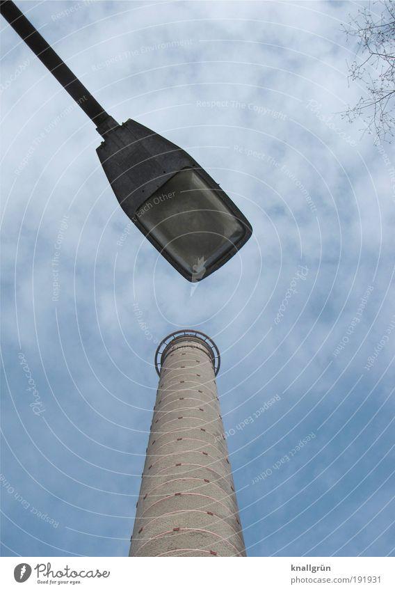 Meeting Himmel weiß blau Wolken grau braun Beleuchtung Energie hoch Industrie Laterne Schornstein Verabredung Deutschland Natur