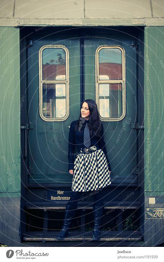 bahnreisende Frau Mensch Jugendliche schön Ferien & Urlaub & Reisen Erwachsene Ferne feminin Leben Freiheit Mode elegant natürlich Verkehr Tourismus Eisenbahn