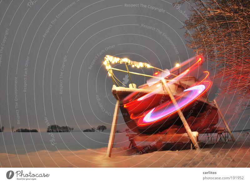Arche Noah 2010 Schnee leuchten Wasserfahrzeug Jacht Winterpause Saisonende Lichterscheinung Doppelbelichtung drehen rotieren Reling UFO Lichtgeschwindigkeit