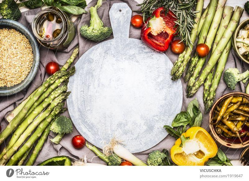 Spargel und verschiedene gesunde vegetarische Zutaten Lebensmittel Gemüse Salat Salatbeilage Getreide Kräuter & Gewürze Ernährung Mittagessen Bioprodukte