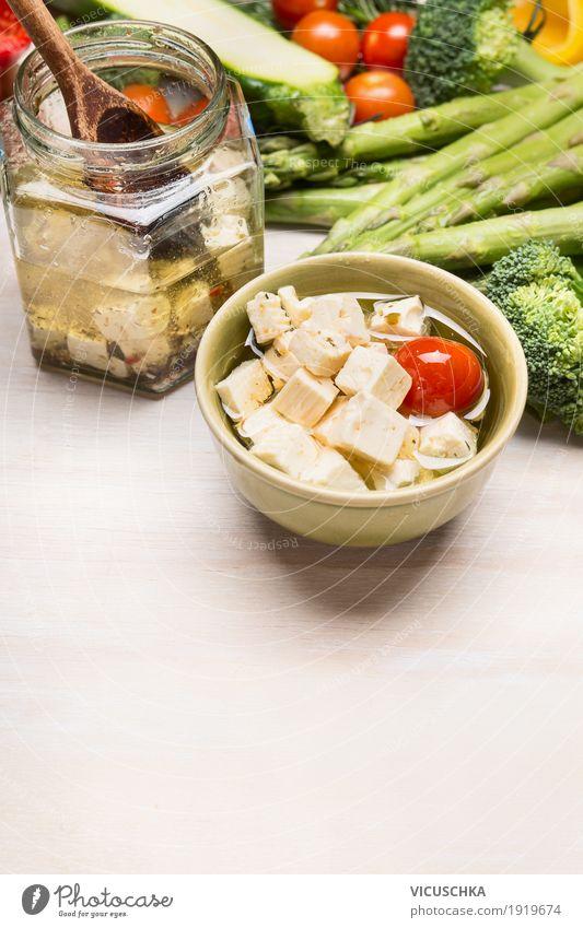 Eingelegter Fetakäse Gesunde Ernährung Foodfotografie gelb Essen Stil Lebensmittel Design Glas Tisch Kräuter & Gewürze Küche Gemüse Bioprodukte Diät Salat
