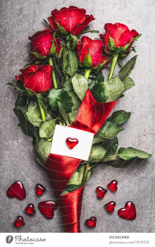 Roter Rosen Blumenstrauß mit Schleife und Herz Stil Design Dekoration & Verzierung Feste & Feiern Valentinstag Geburtstag Natur Blüte Liebe Gefühle Tradition