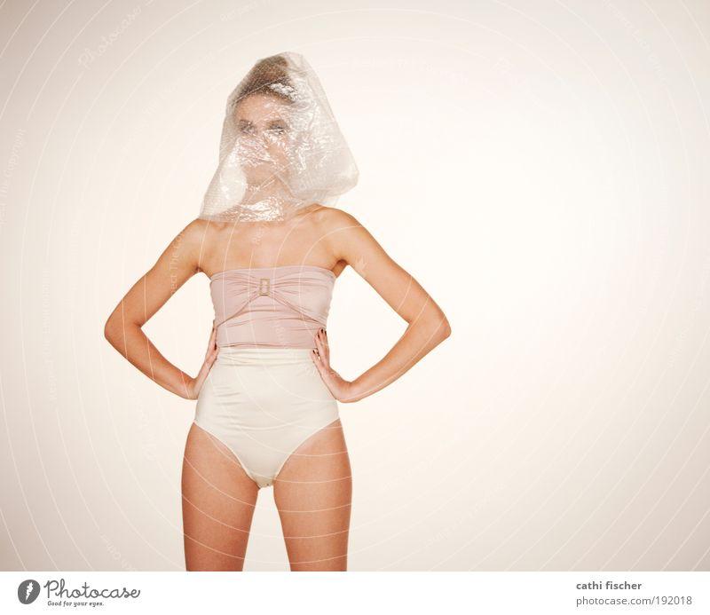 puppe elegant Stil schön Körper Haut feminin Junge Frau Jugendliche Erwachsene Kopf Arme Beine 18-30 Jahre Kunst Bikini Badehose Accessoire brünett stehen
