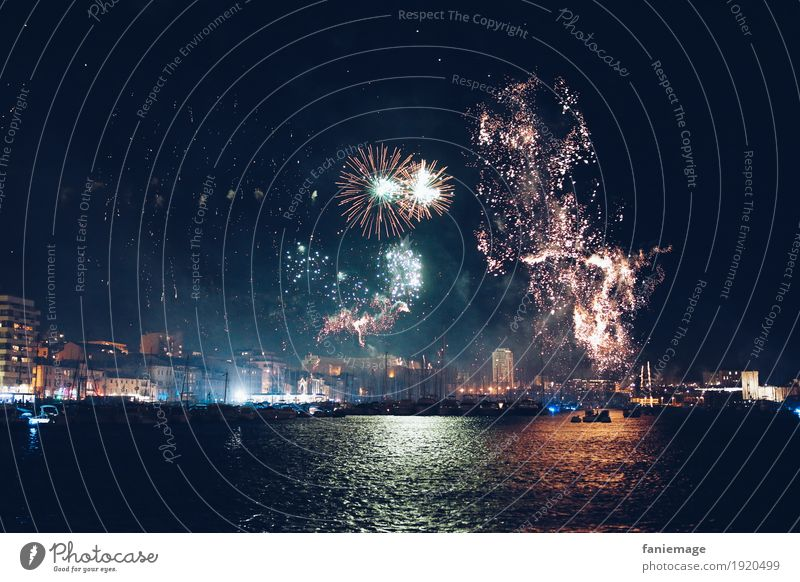 Feu d'artifice au Vieux Port MP2017 Stadt Hauptstadt Stadtzentrum Altstadt Feste & Feiern Feuerwerk Rakete leuchten Nacht Nachtleben Party Veranstaltung