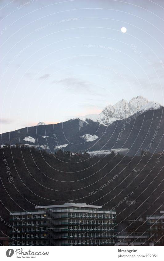 I-Finger Mensch Natur blau grün Winter Schnee Berge u. Gebirge Freiheit Architektur Gebäude Arbeit & Erwerbstätigkeit Tourismus Hochhaus Europa Italien Arzt