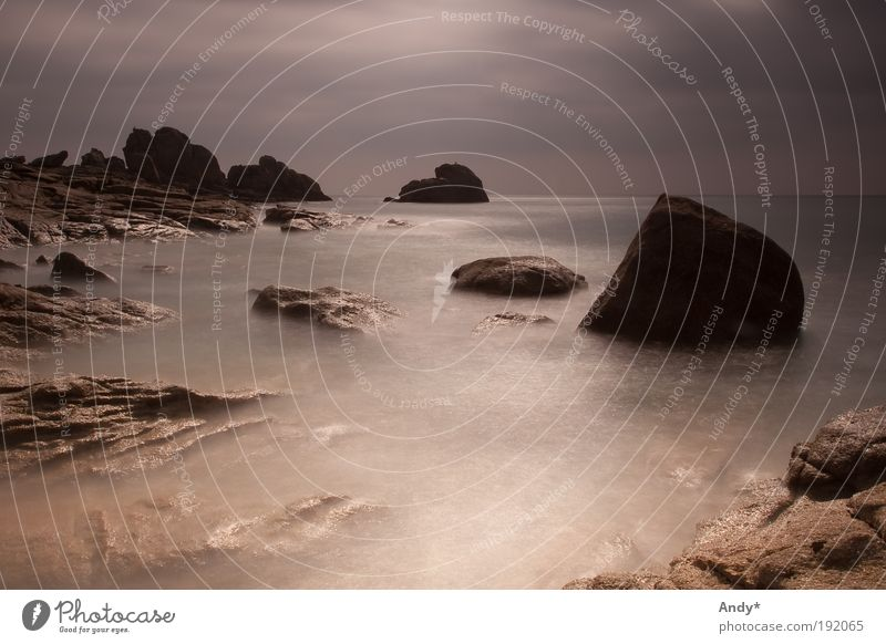 Ombre et Lumière Natur Wasser Himmel Meer Ferien & Urlaub & Reisen Einsamkeit Ferne Landschaft Küste Horizont Felsen Tourismus Langzeitbelichtung Frankreich Bretagne