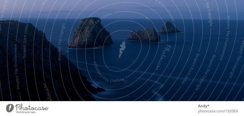 Les tas de pois Wasser Meer blau Ferien & Urlaub & Reisen ruhig schwarz Ferne träumen Landschaft Küste Stern Horizont Felsen Ausflug Tourismus